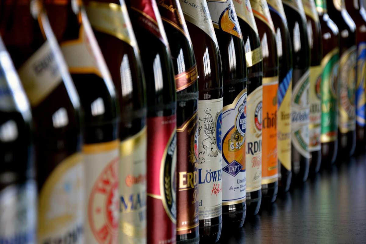 muitas cervejas para um destination wedding