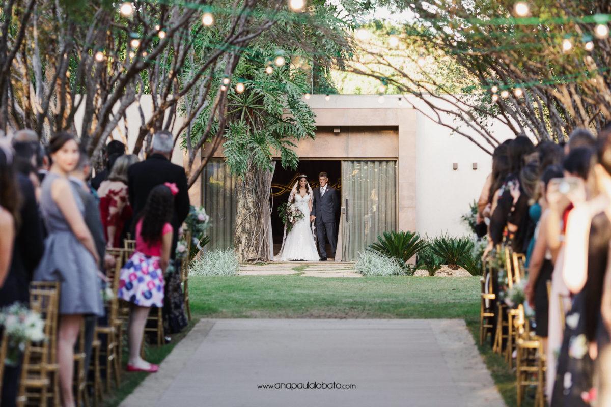casamento de dia na natureza