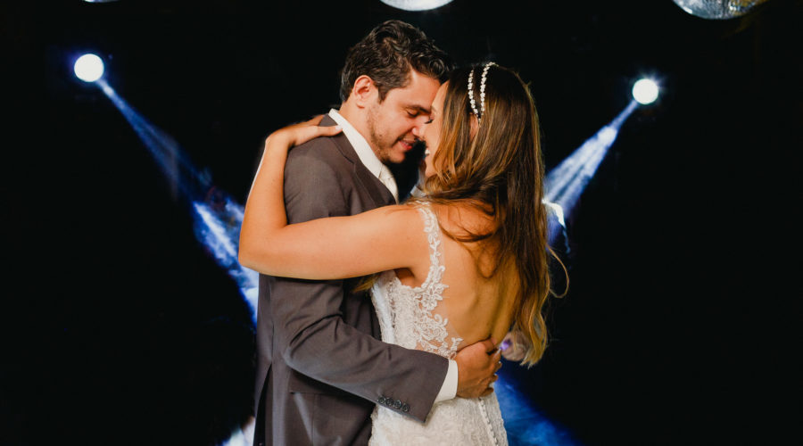 Couple enjoy the wedding dance moment